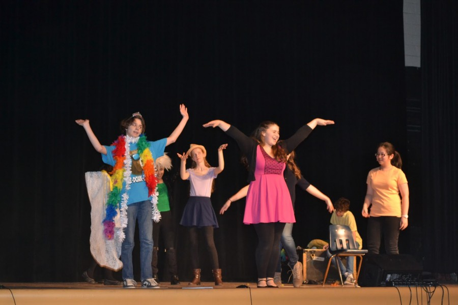 From left to right: Joseph West '18, Vivian Cid Dector '17, Georgia Kester '17, Emily Bedolis '18, Natalia Ayres '17, Nick Scaglione '17, and Samantha Li '17