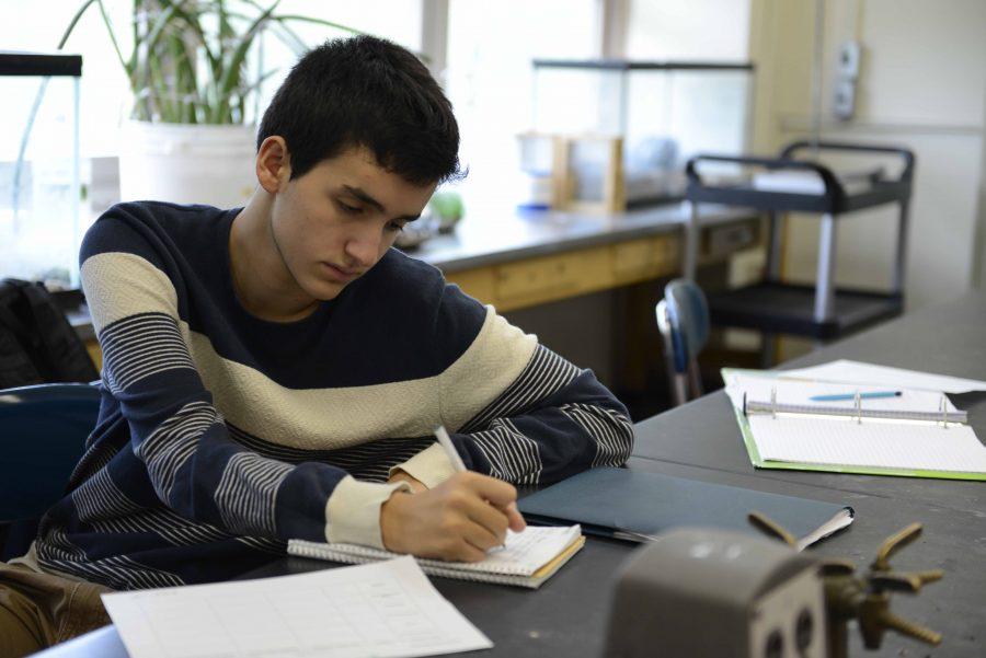 Senior+Alejandro+Villar+thinks+college+on+his+free+time.