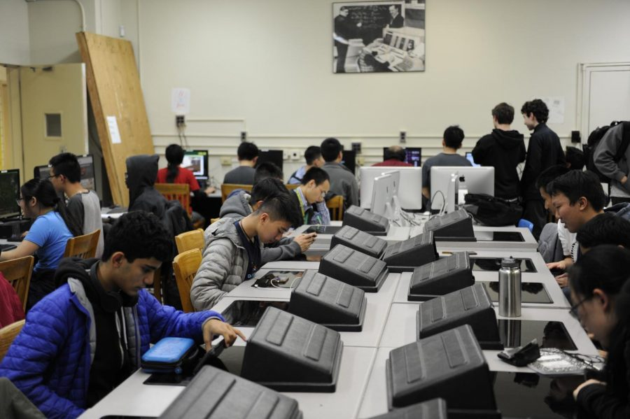 Students access the internet during a recent meeting of E-Sports Club. If net neutrality rules were repealed, their ability to do so freely could be threatened.