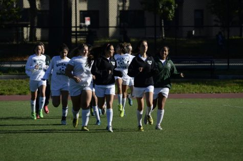 Girls' Varsity Soccer Scores With a Great Season End