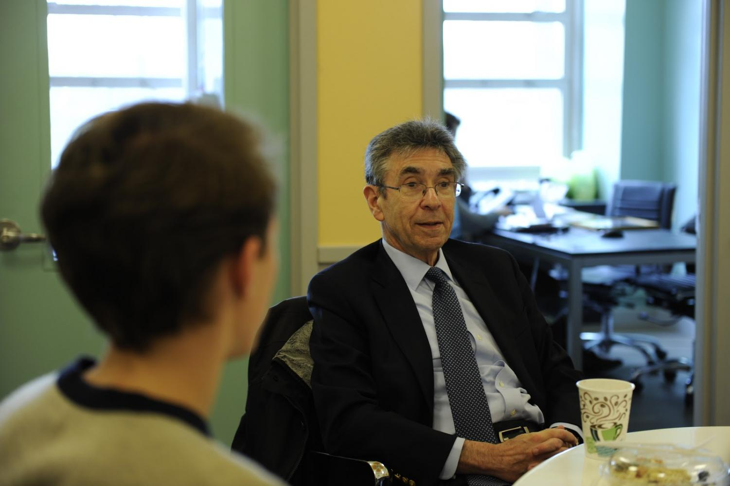 Dr. Lefkowitz enjoys a quick lunch with students such as James Snyder '18, discussing his career and experiences.