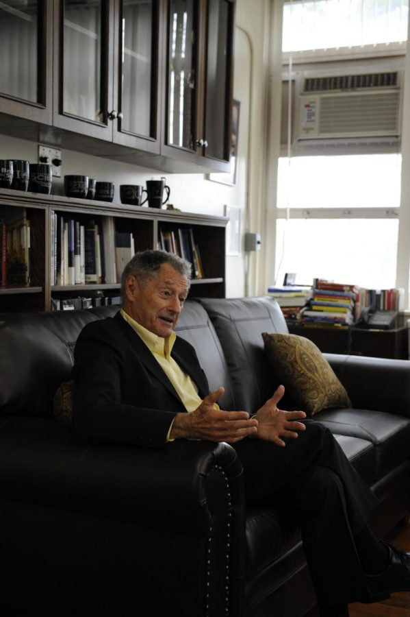Famous+alumni%2C+Leonard+Kleinrock%2C+speaks+to+student+about+his+Bronx+Science+experience+and+remarkable+career.