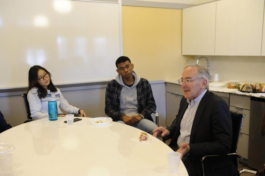 Rose shares lessons learned from his work as a heart surgeon and researcher with Jenna Jung '18 and David Ologan '18.