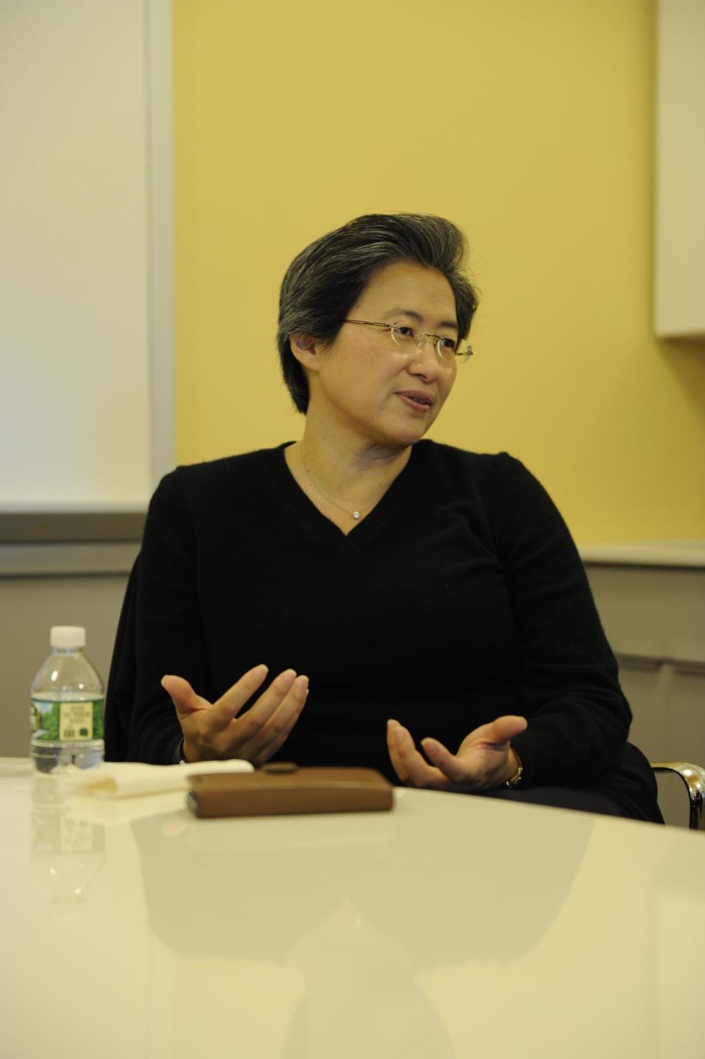 Lisa Su '86 answers questions about her career in a student interview.