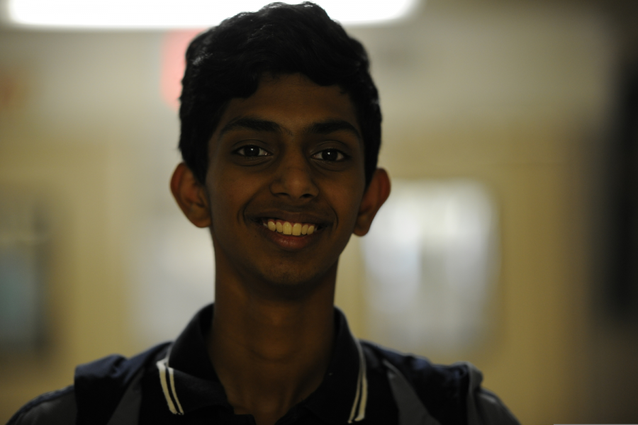 Sabareesh Vishwanathan '19, thinks the Jets will be better than the Giants this season.