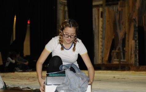 Stage Manager, Sylvie Klingborg '21, kept things orderly and in fashion on set.