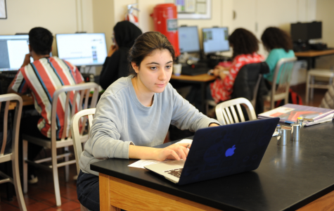 Celeste Abourjeili '20 works individually to learn more about her mind in the 'Introduction to Neuroscience' course.