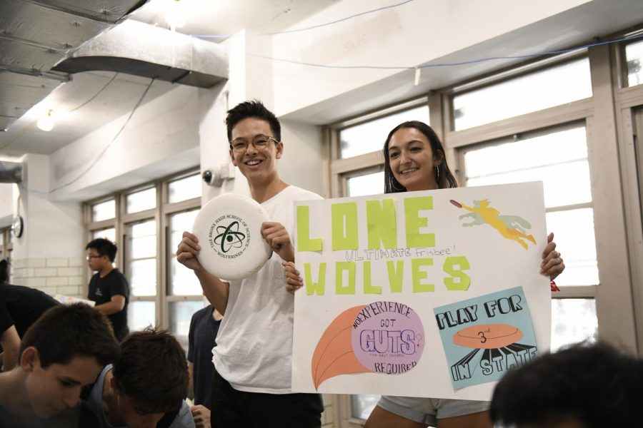 Students advertise their favorite club, Ultimate Frisbee!