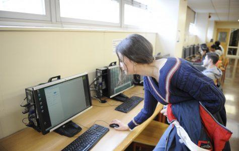 Anastasia Diakolios '20 rushes to print her homework before class.