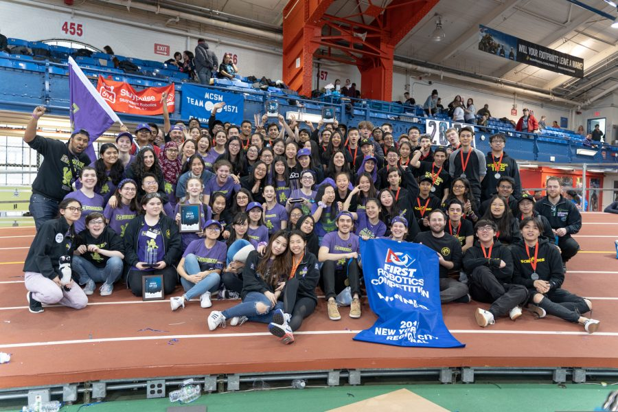 Both+teams+celebrate+their+wins+at+NYC+Regional+competition.