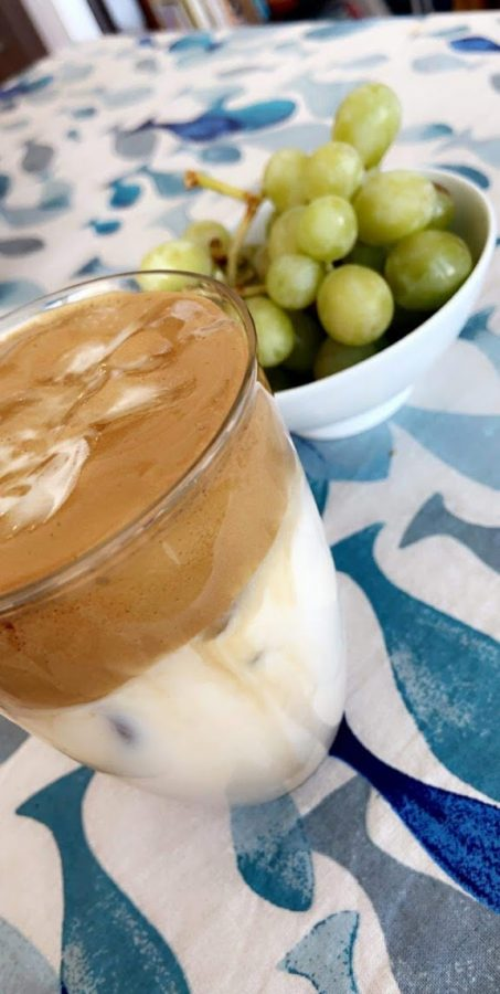 For many, whipped coffee tastes better served cold. Add in a few ice cubes and you'll get iced whipped coffee!