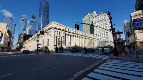 A hidden gem in New York City, the elegant Moynihan Train Hall humbly sits in the former Farley Post Office below the towering skyscrapers in Midtown.