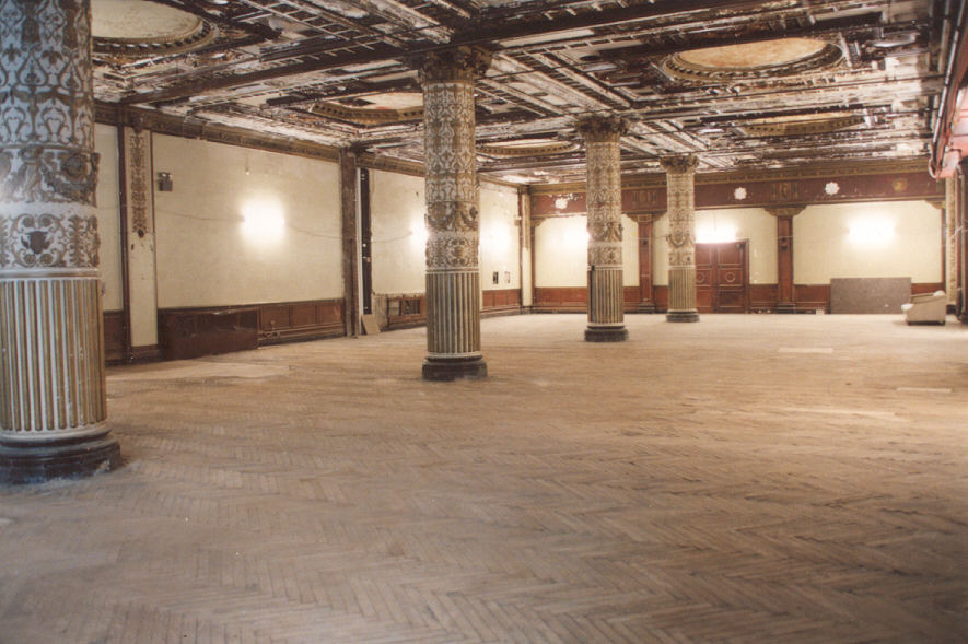 ballroom4_before