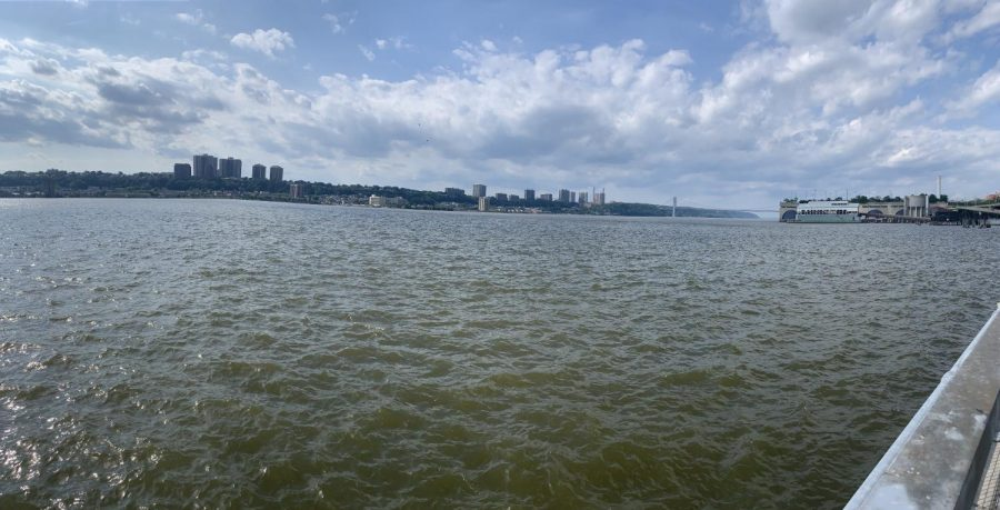 Here+is+the+Hudson+River+photographed+from+Manhattan%2C+where+only+26+miles+away%2C+the+Indian+Point+Power+Plant+sits.+The+river+has+been+the+victim+of+many+of+the+plants+greatest+failures.+